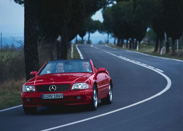 Rabljen Mercedes SL napake težave okvare vpoklici