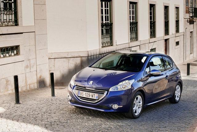 Peugeot 208 rabljen napake težave okvare vpoklici
