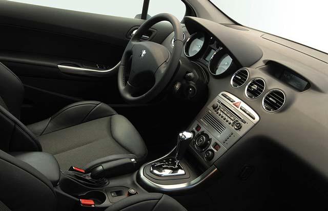 Peugeot 308 - rabljen napake težave okvare vpoklici