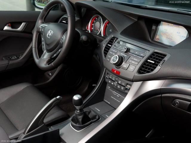 Honda Accord rabljen napake težave okvare vpoklici