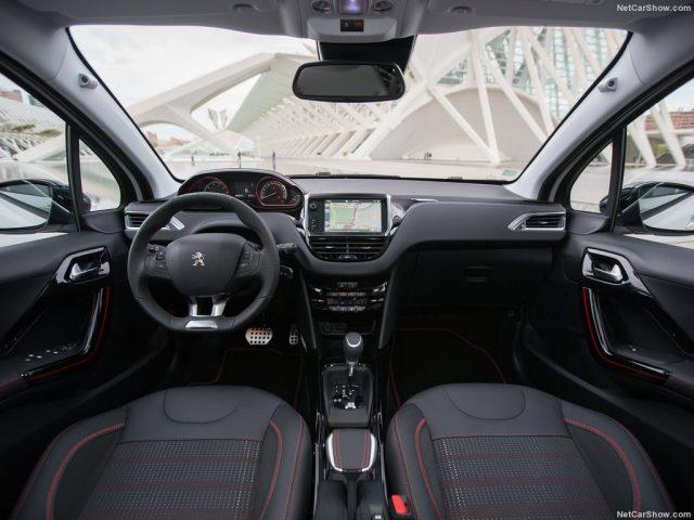 peugeot 2008 napaka okvara tezava problem zanesljivost novo vozilo rabljeno