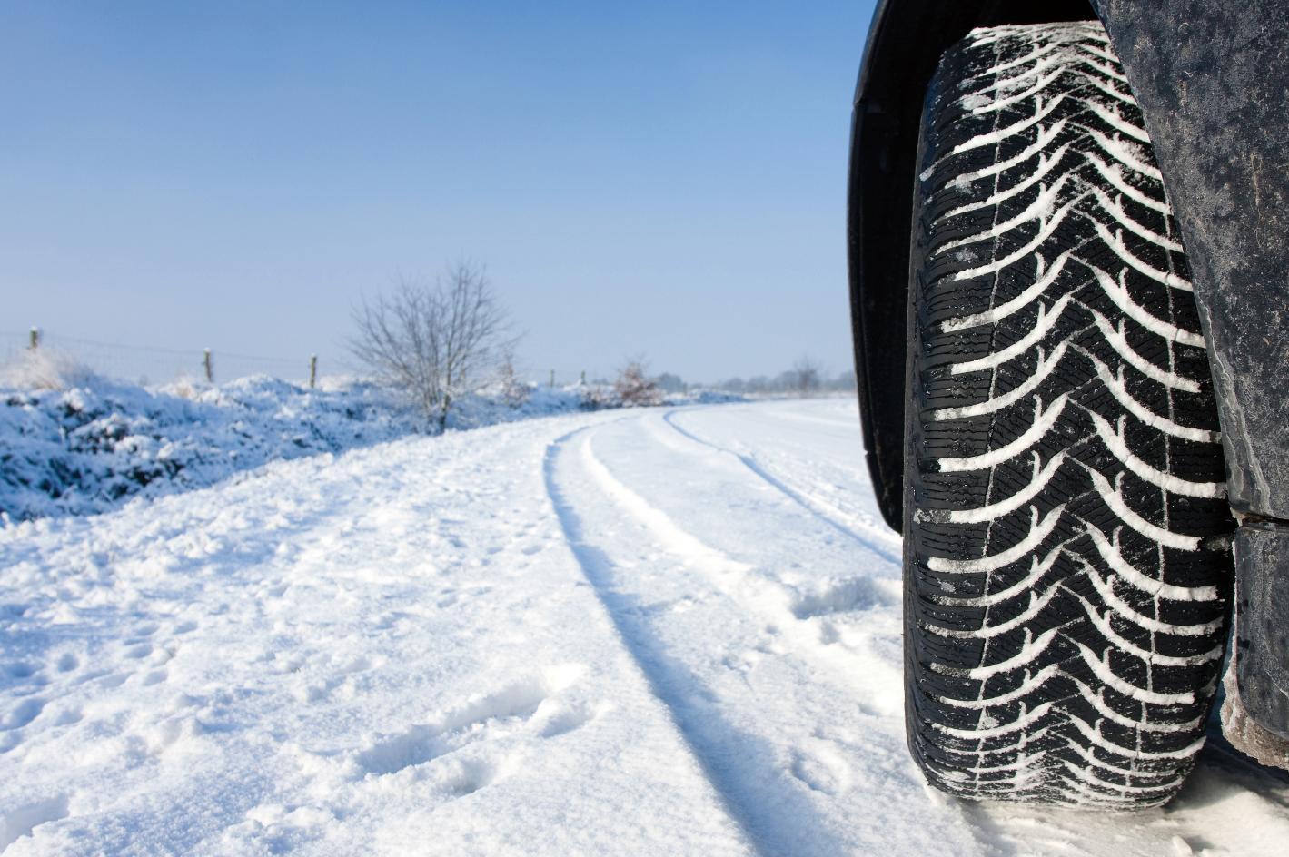 Test celoletnih pnevmatik. Vir. Motorevija