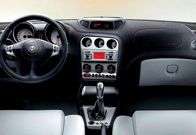 Alfa Romeo 156 - pregled napak, težav, okvar in vpoklicev