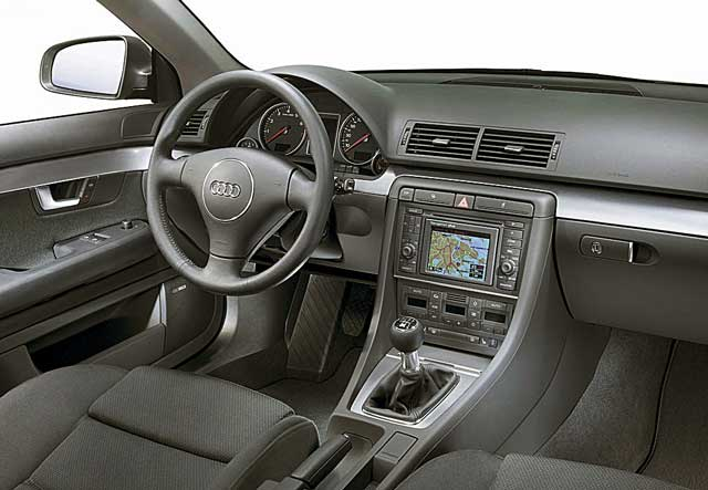 Audi A4, pregled napak, okvar, težav, vpoklicev