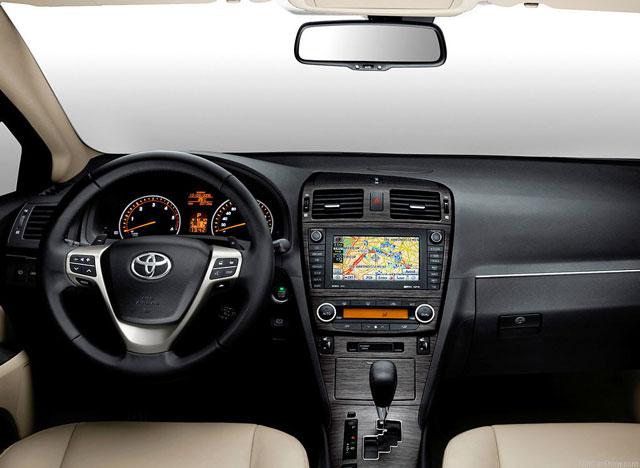 Toyota Avensis napake težave okvare vpoklici