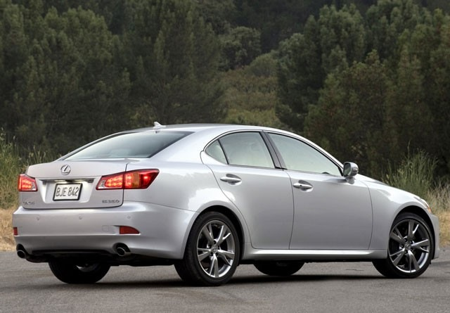 Lexus IS rabljen napake težave okvare