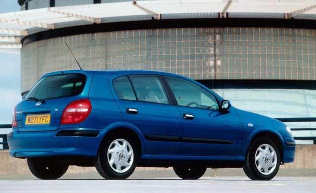 Nissan Almera, pregled napak, težav, poklicev