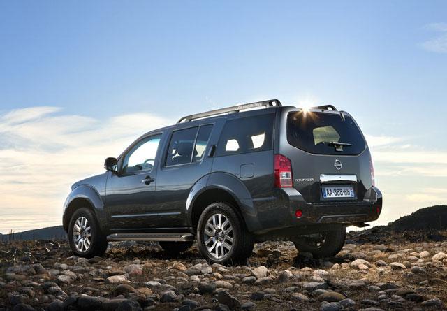 Nissan pathfinder rabljen napake težave okvare vpoklici