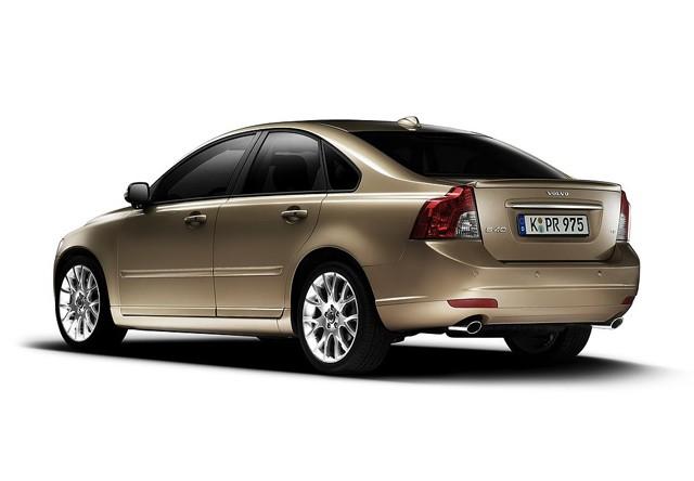 Volvo S40, pregled napak, težav, okvar in vpoklicev
